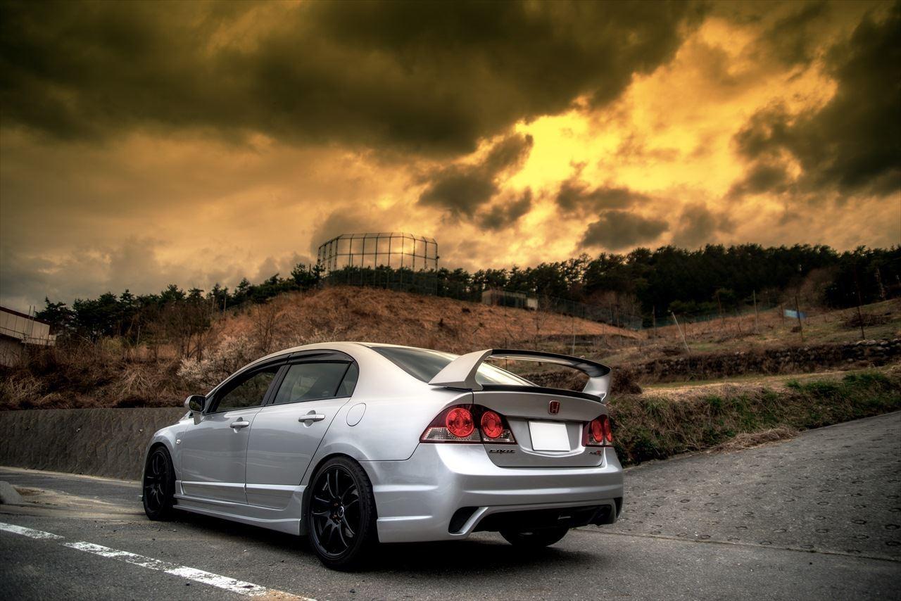 Honda Civic Type R FD2, kultowe auto, samochód z duszą, VTEC is kicking in, pasja, japoński sedan, motoryzacja, galeria