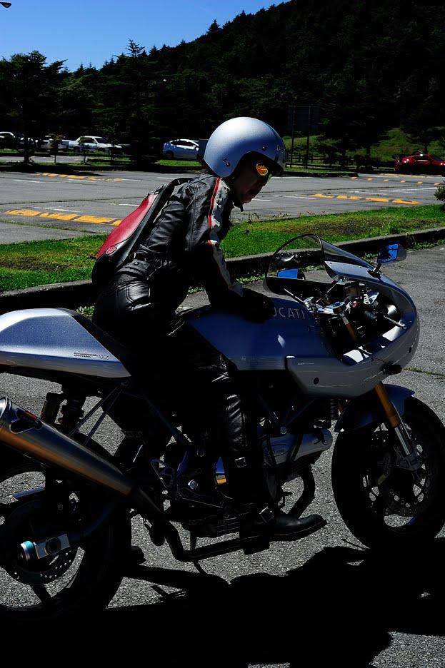 Ducati sports-classic Paul Smart 1000LEが加わりました。