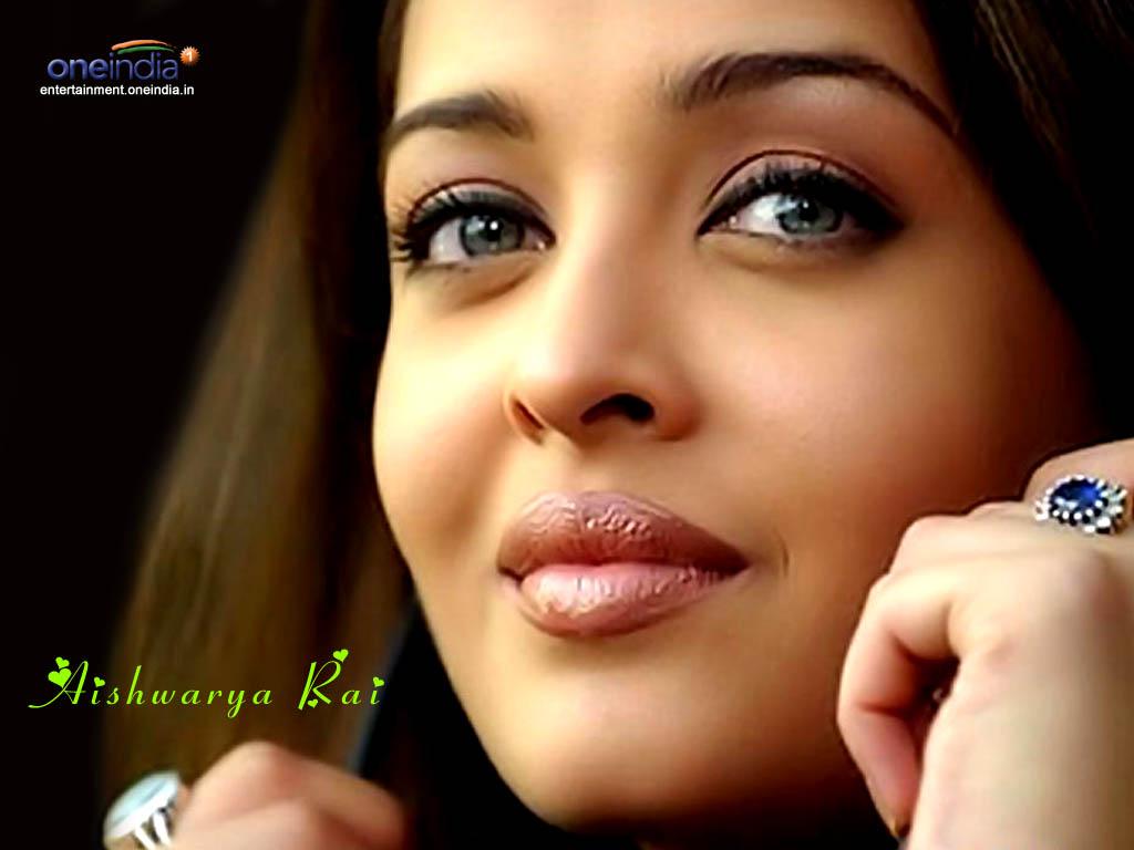 http://3.bp.blogspot.com/-bj-qDSbPWww/TrAnbC7kEFI/AAAAAAAAAT8/P0IlWjK3lvs/s1600/Aishwarya_Rai_10.jpg