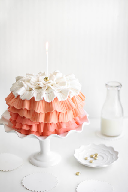 frilled strawberry cake