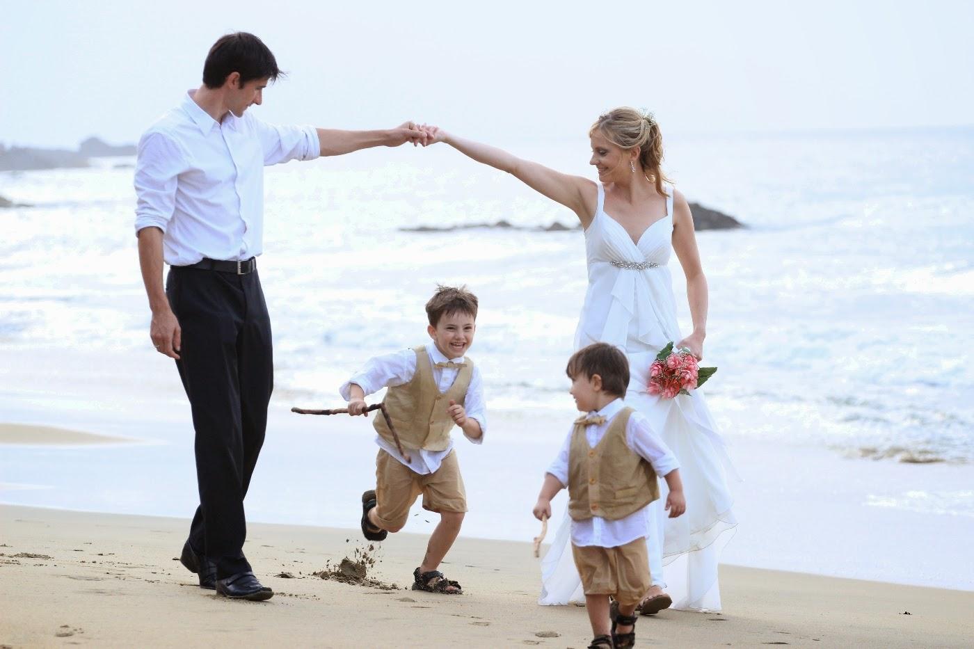 Family Beach Wedding In The Sun Sylvio Melanie