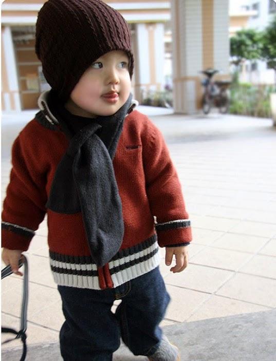 gambar bayi pakai topi lucu