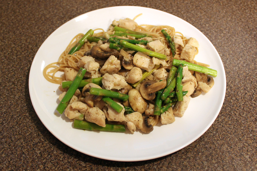 Wednesday Dinner : Sauteed Chicken, Mushrooms and Asparagus on a bed ...