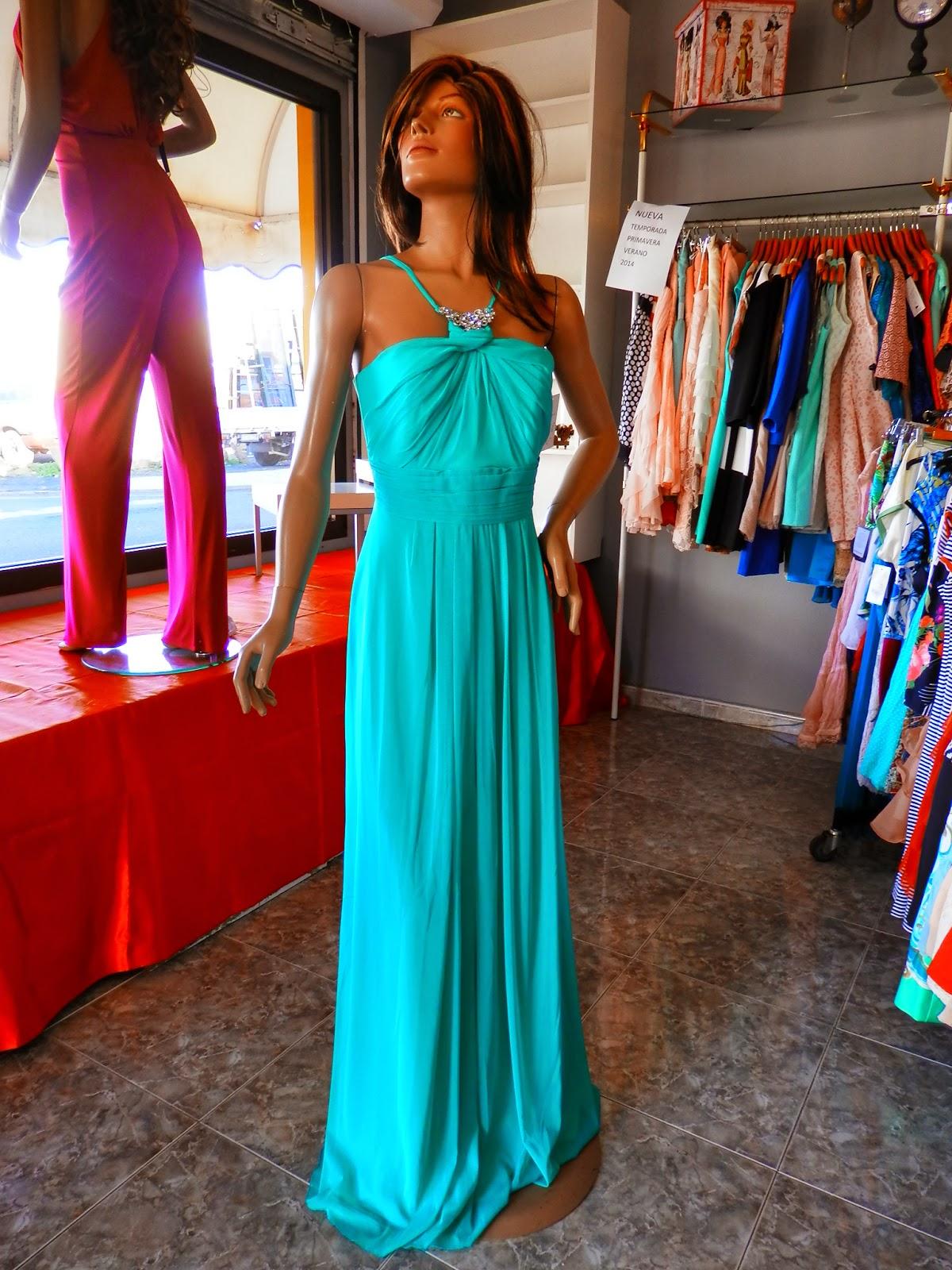 Vestidos largos de color verde agua