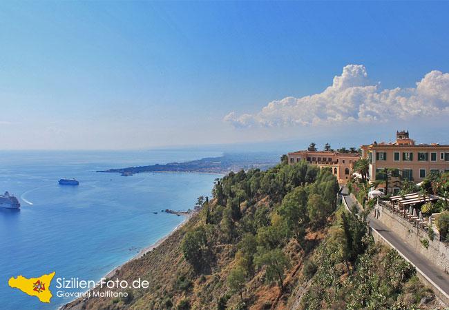 Aussicht auf die Bucht von Giardini Naxos