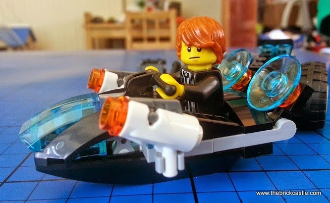 LEGO Ultra Agents Riverside Raid 70160 Review Jet Speeder