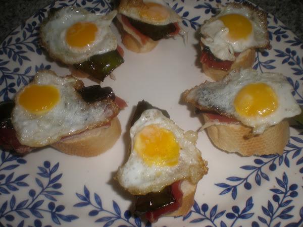 Pintxos de huevos de codorniz