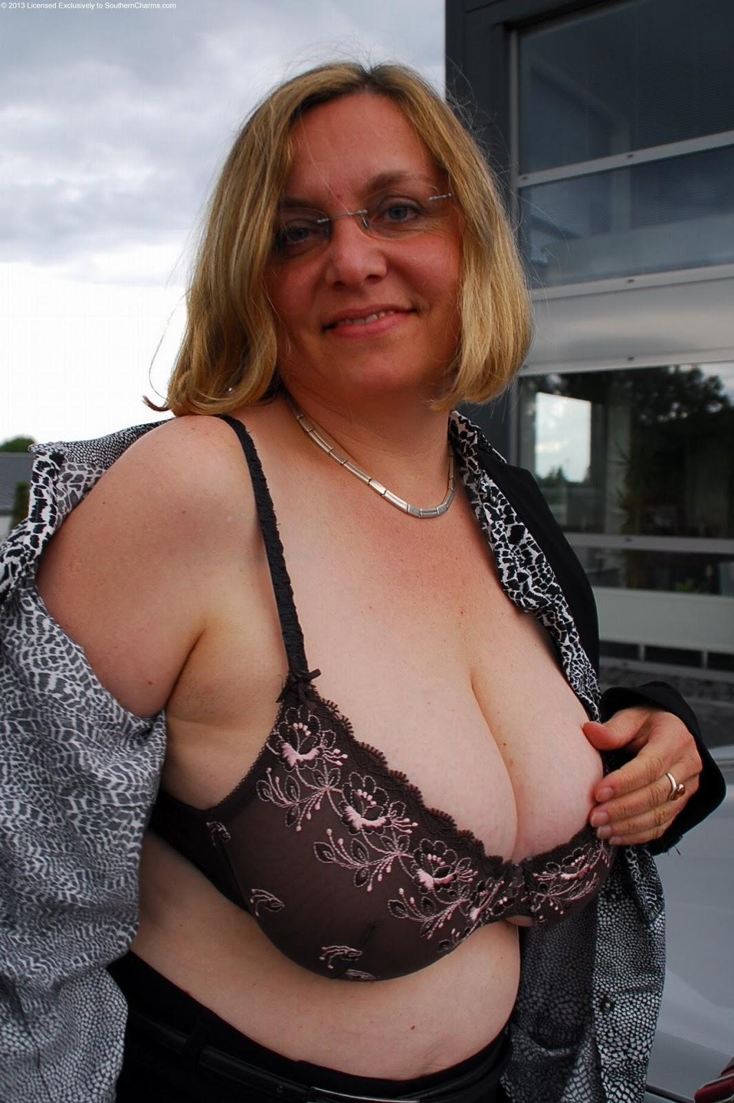 Chubby bra lesbian