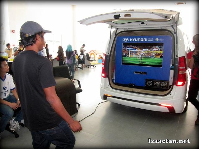 Kick the virtual ball, win an iphone
