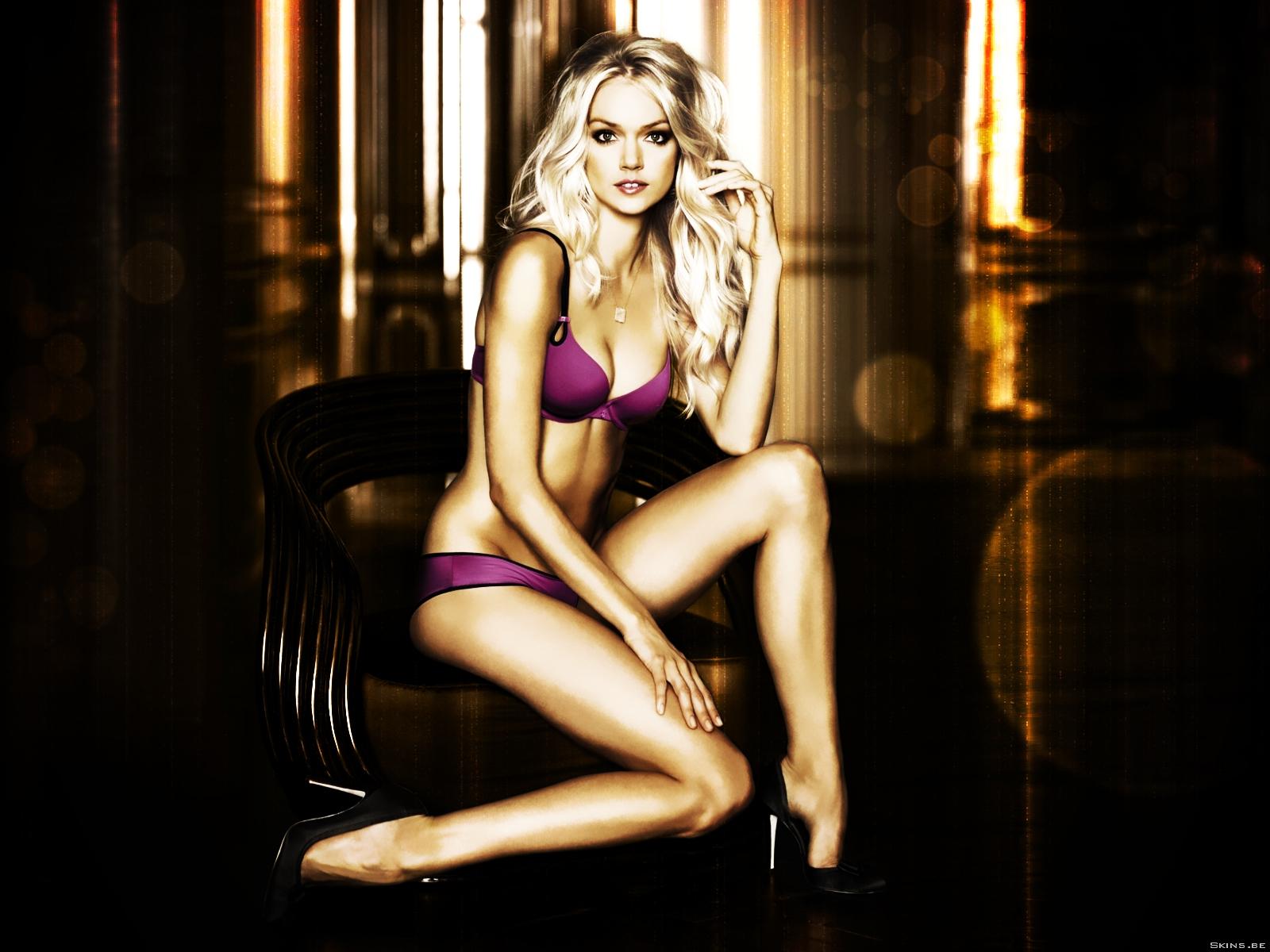 Lindsay Ellingson Bikini Wallpaper