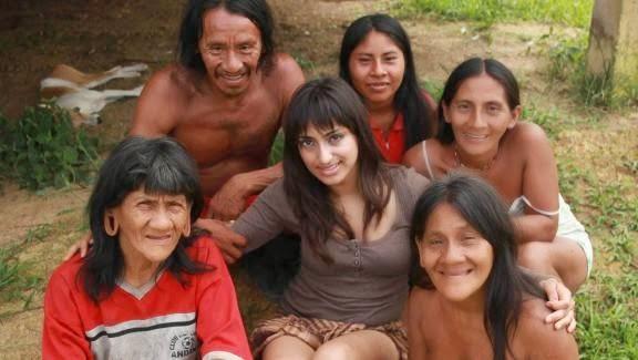 Wanita Cantik Bersuamikan Lelaki dari Hutan Amazon