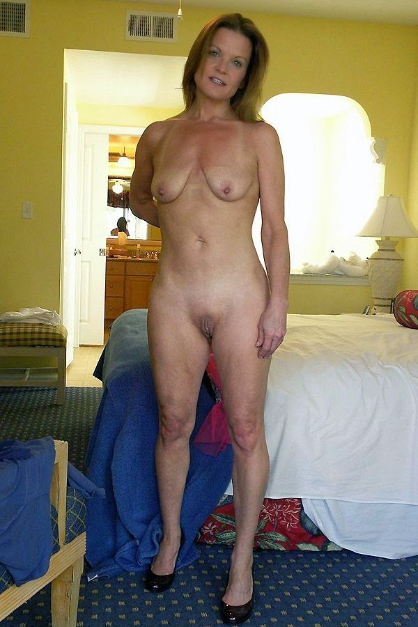 nude exhibitionist women