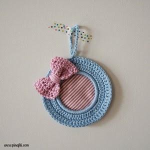 http://www.pinafili.com/2014/11/diogeneras-marcos-de-crochet-con.html