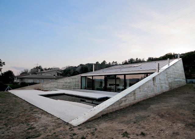 Hidalgo hartmann arquitectura montfull house una casa for Piani casa con breezeway tra casa e garage