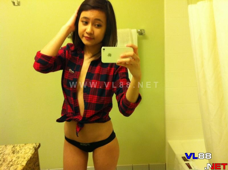 Bộ ảnh sex của em teen 9x từ Facebook
