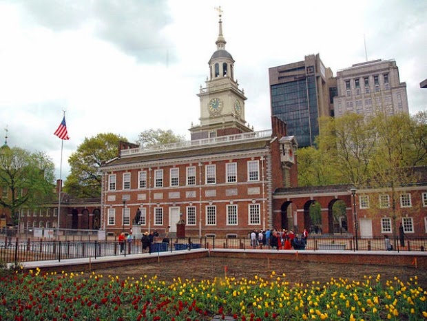 https://commons.wikimedia.org/wiki/File%3AIndependence_Hall.jpg