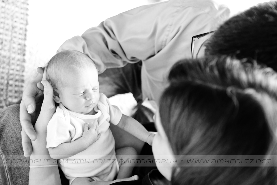 black and white lifestyle newborn photographer