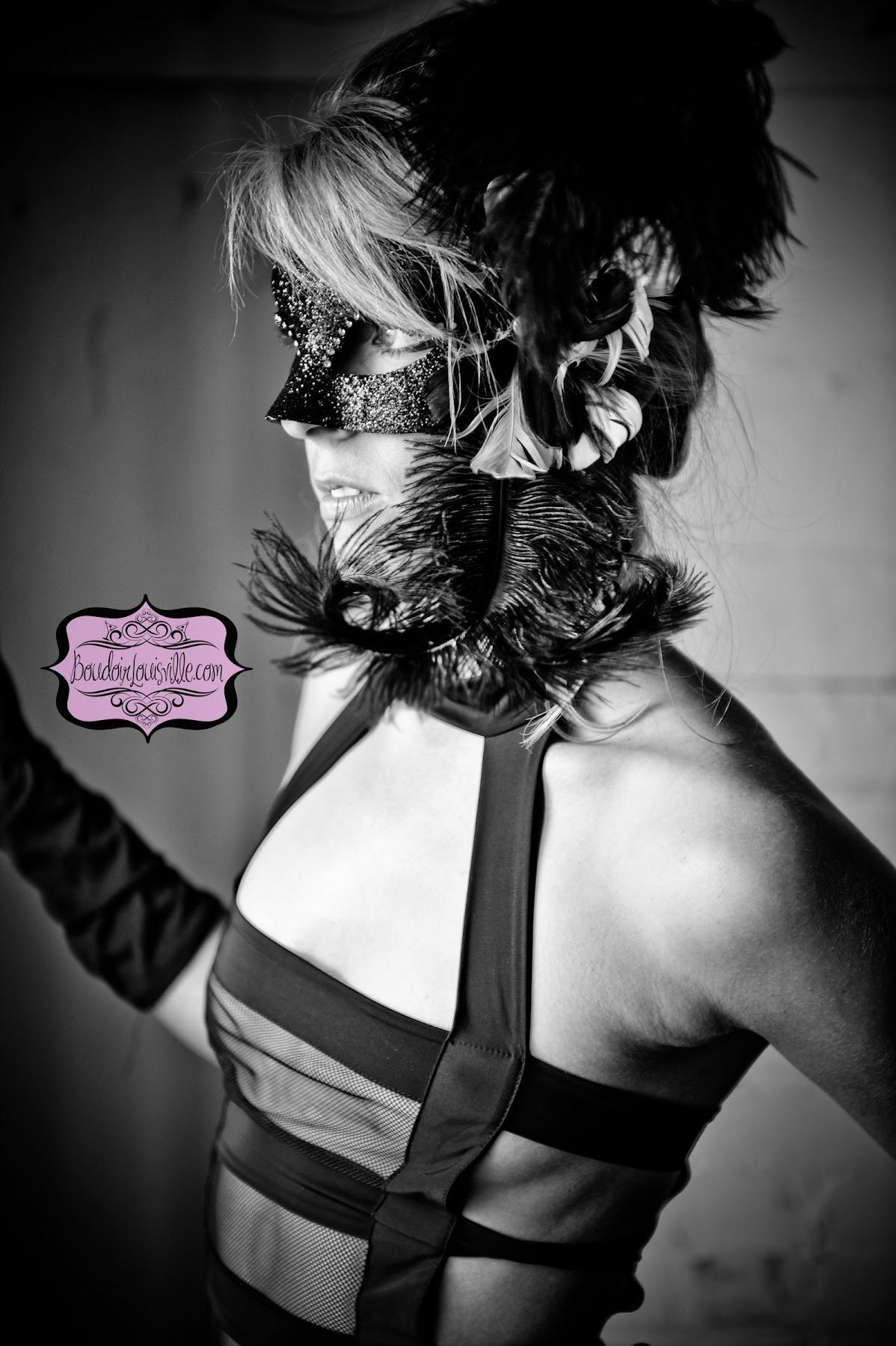 http://3.bp.blogspot.com/-bljlAezffCM/UHwgOcIWN9I/AAAAAAAAJJI/hOPjmXJMM34/s1800/50+shades+of+gray+boudoir+photo+shoot+-+Boudoir+Louisville-9.jpg