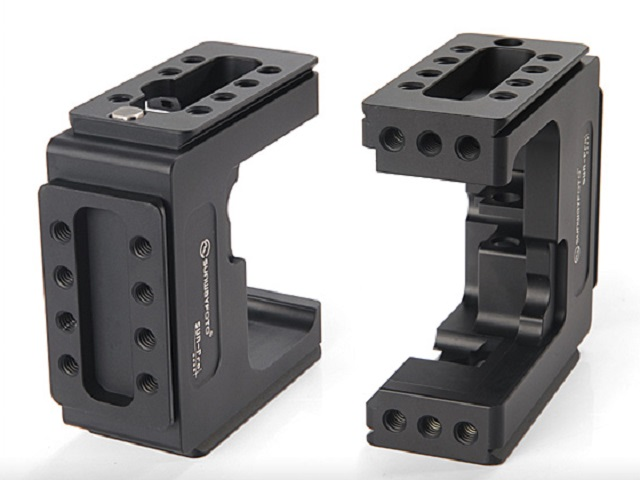 Sunwayfoto SUN-Pro Cage for HERO3 top & bottom sockets detail