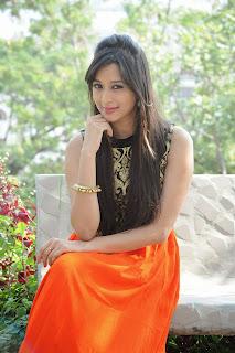 Tulike Gupta glamorous Pictures 002.jpg