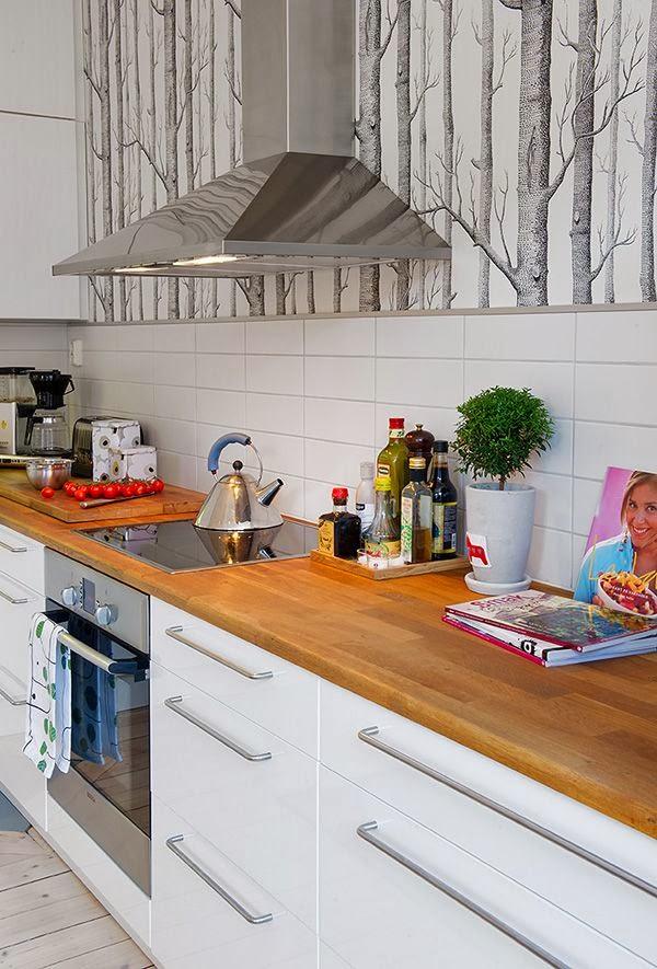 Decorar el frente de una cocina estudio lota - Papel pintado sobre azulejos ...