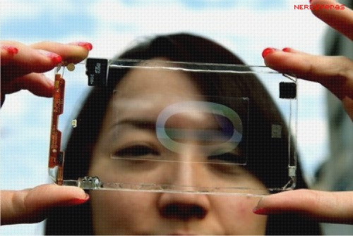 Empresa Polytron Technologies anuncia protótipo de um smartphone transparente