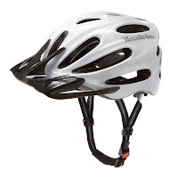 Mercedes-Benz Bikes 2013: Bike helmet in white/black, one size fits all. With LED safety light.