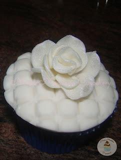 Cupcake_RosaBranca_Marta_Madaleine_Cupcakery_01