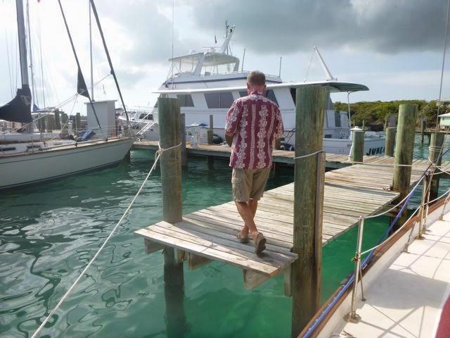 cruising life docking challenges fixed dock Bahamas