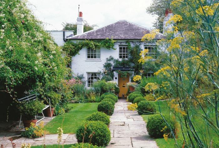 Gipsy house una casa con jard n digna de un cuento for Casa jardin infantil