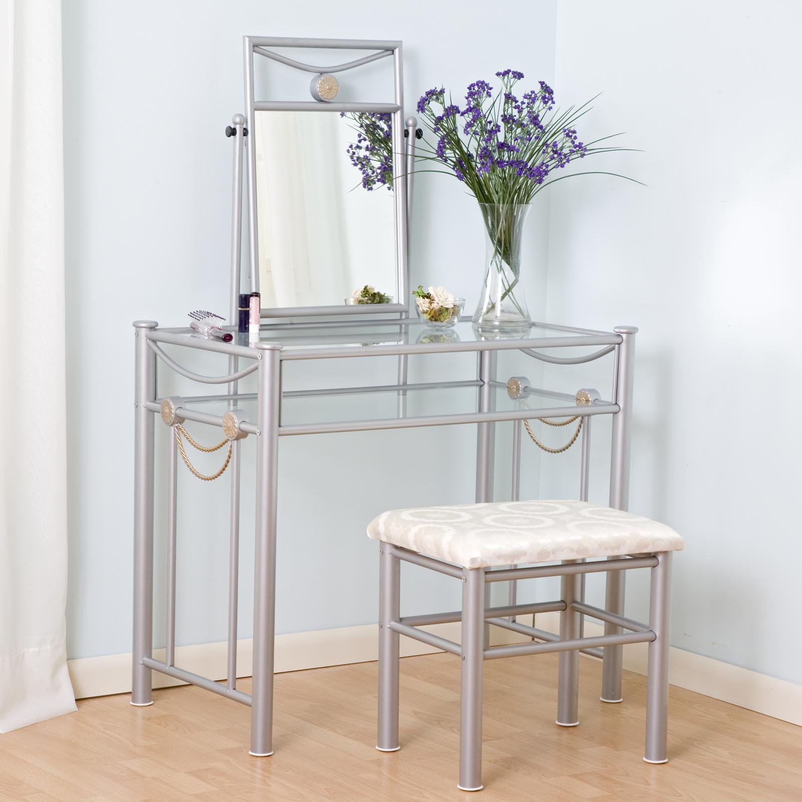 Modern home interior design make up table design ideas for Small mirrored dressing table set