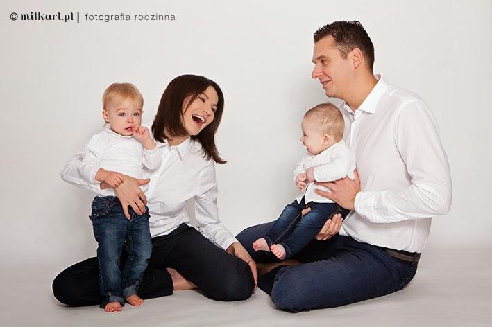 Fotografia rodzinna, sesje zdjęciowe rodzinne, fotografia niemowlaków, sesje na roczek