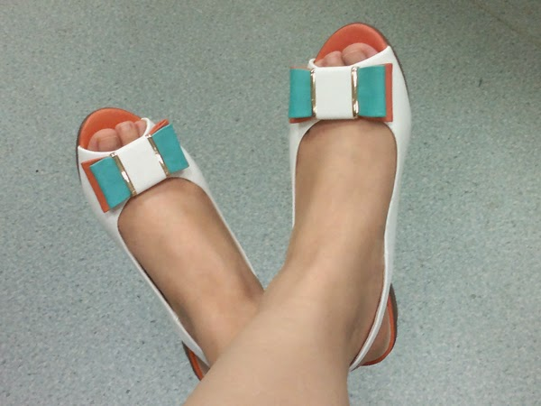 Cute Peep-Toe Shoes 4