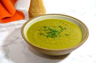 Spiced Parsnip Spinach Soup with Apple and Turmeric