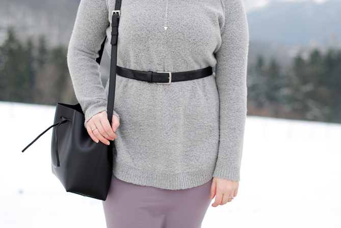 winter outfit turtleneck pencil skirt belt layering
