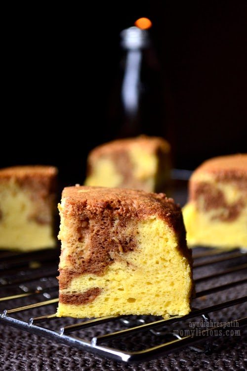 Marble Cheddar Cheese Cake