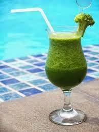 Membuat jus brokoli yang enak dan manis, dengan cara berbeda dan bersih