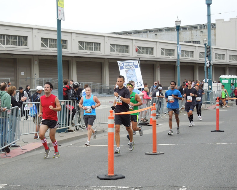San Francisco Marathon runners