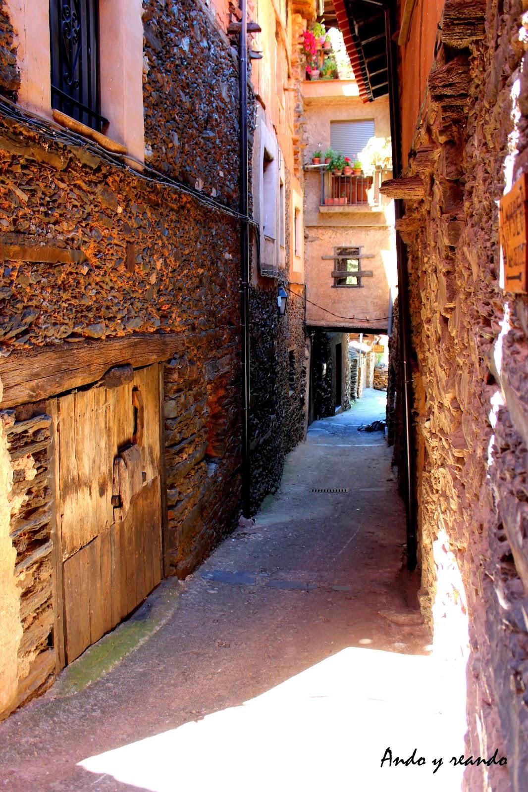 Calles típicas de Robledillo de Gata (Cáceres)
