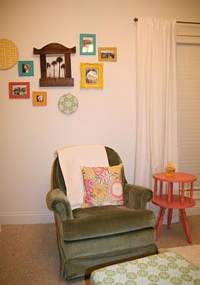 jolie chambre turquoise jaune corail vert cerise et petits pois. Black Bedroom Furniture Sets. Home Design Ideas