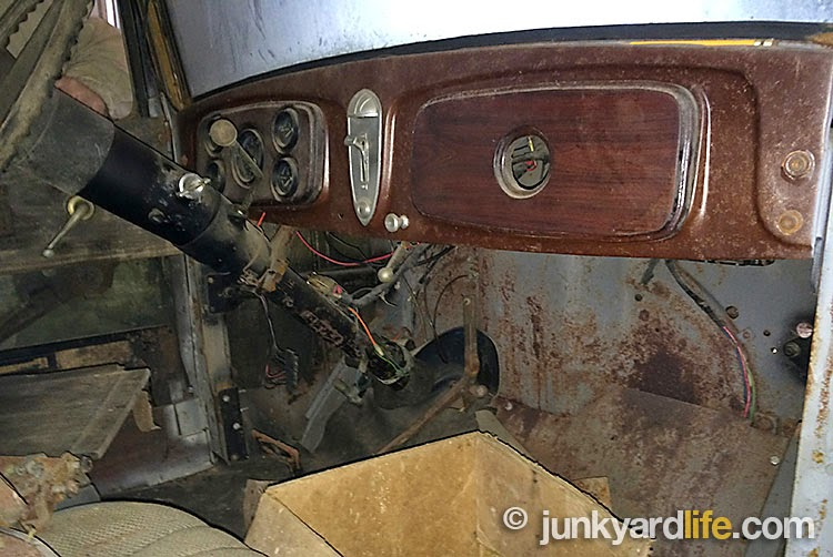 Much of the interior of this 1932 Buick barn find has changed except the wood dash.