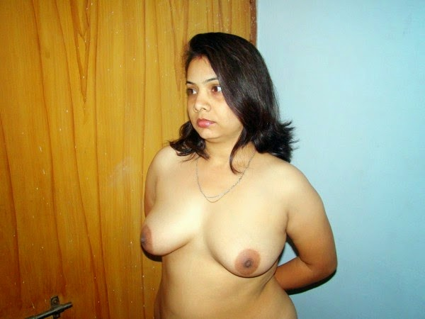 Indian house wife naked sex pics photos collection