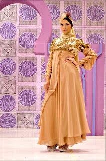 foto gambar wanita muslim berpakaian trendi