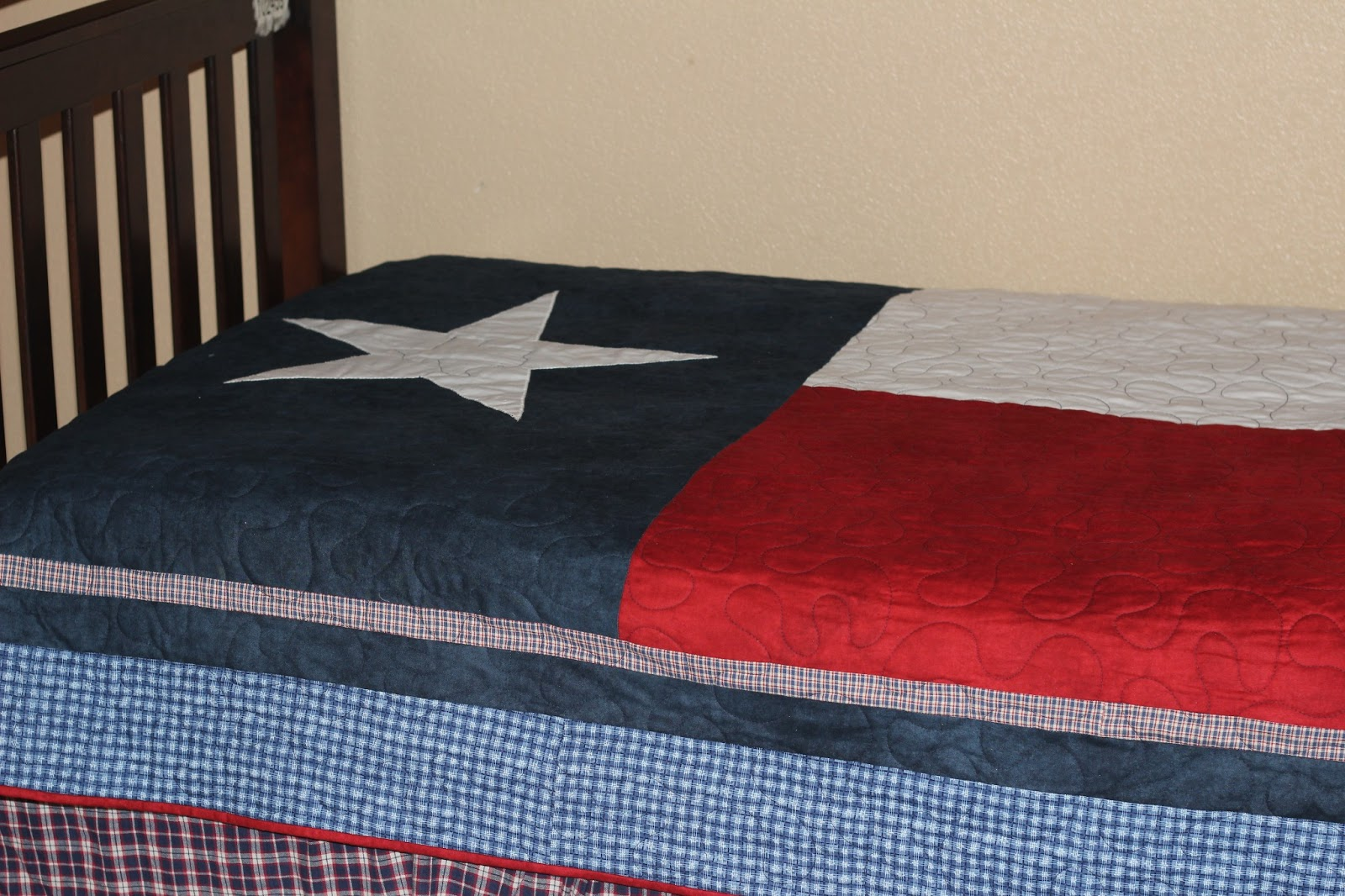 Confessions of a Project-aholic: Texas Flag Quilt- Project number 47 : texas flag quilt - Adamdwight.com