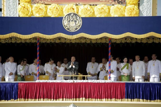 http://kimedia.blogspot.com/2014/10/the-king-cambodia-has-strong-political.html