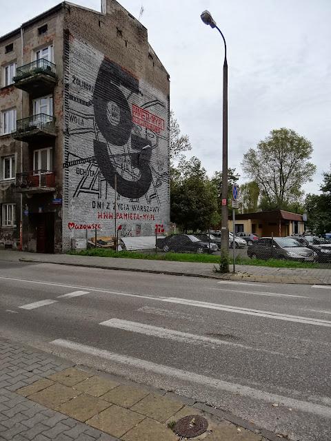 Mural 63 dni z życia Warszawy