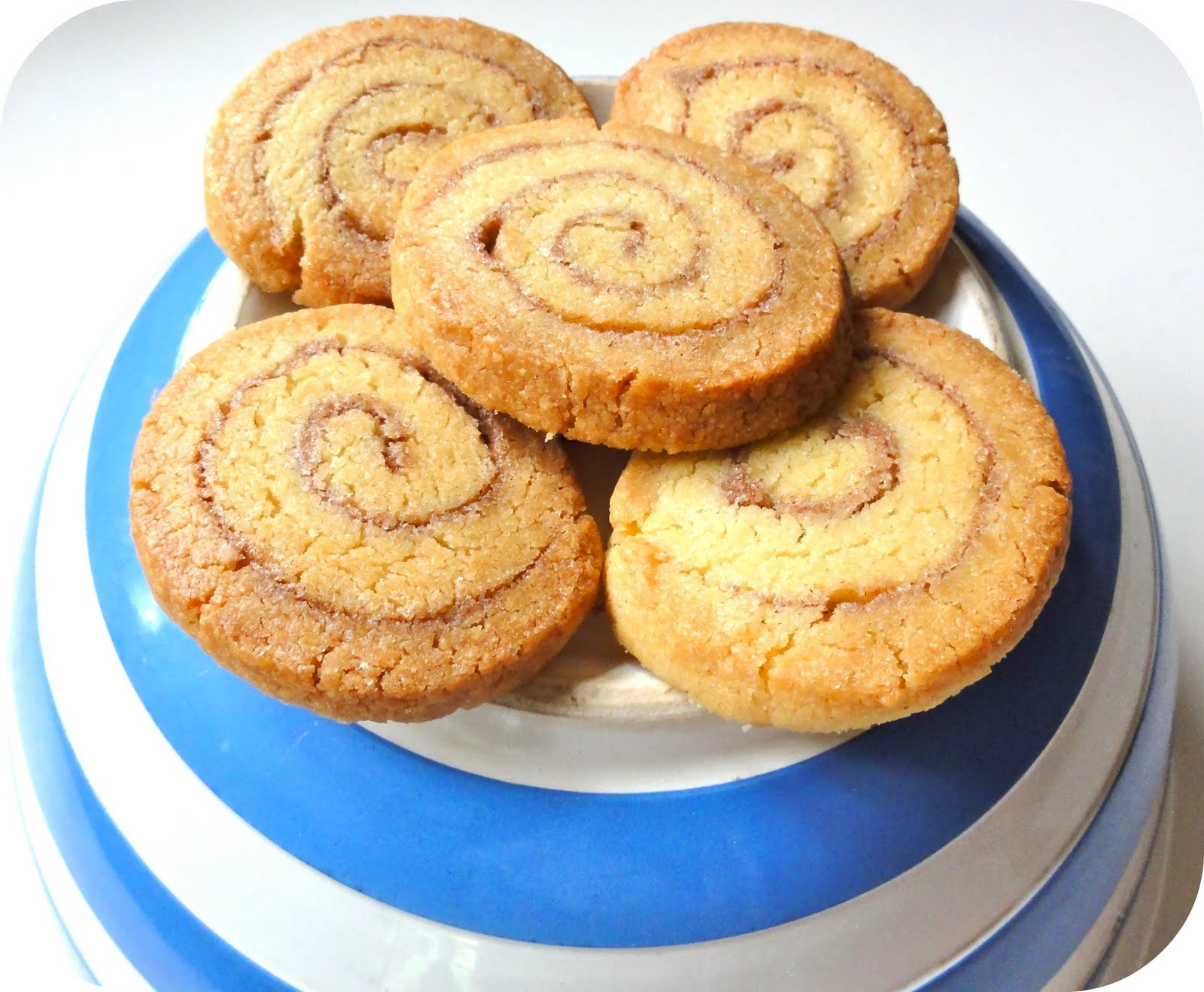 The Procrastobaker: Cinnamon Roll Cookies