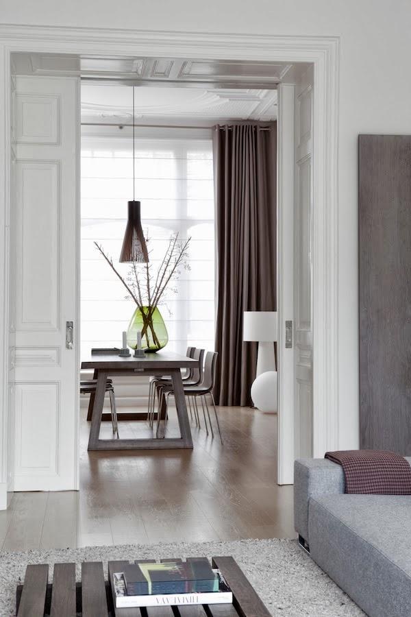 Una casa progettata dallarchitetto Remy Mijers dai toni neutri e ...