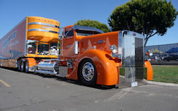 Peter Bilt Truck - Trailer