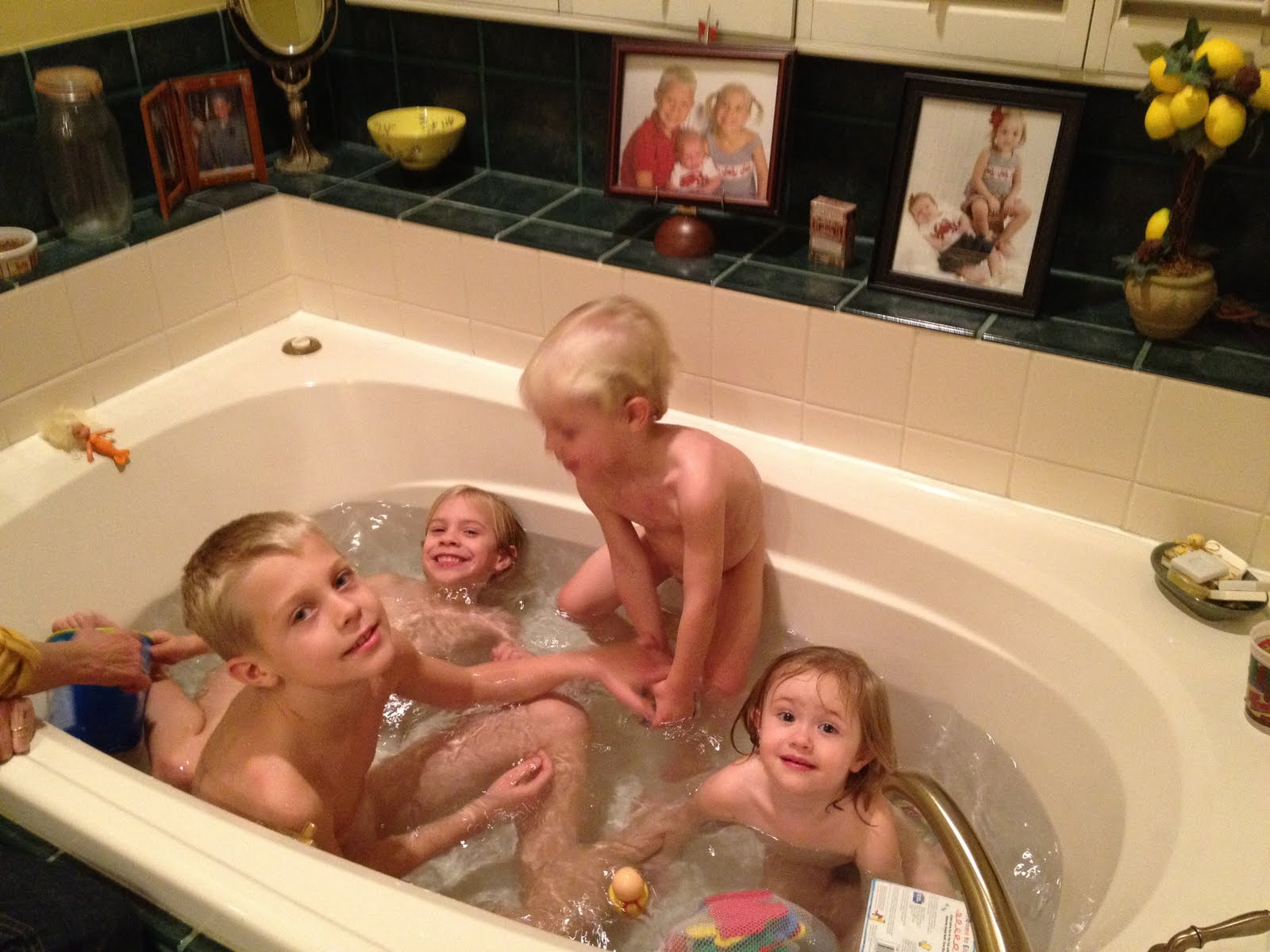 Family Bath Together Love bathing together in